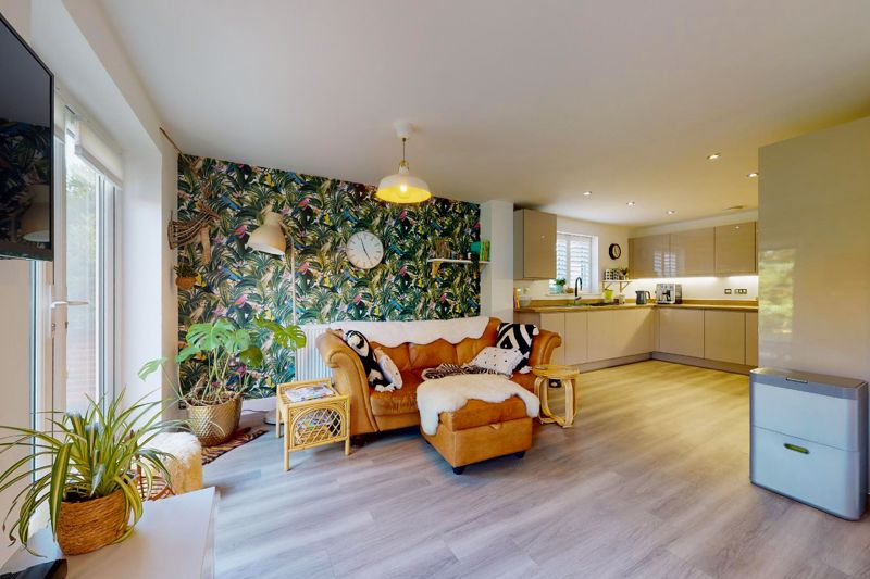 4 bed house for sale in Vesta Mews, Chichester 2