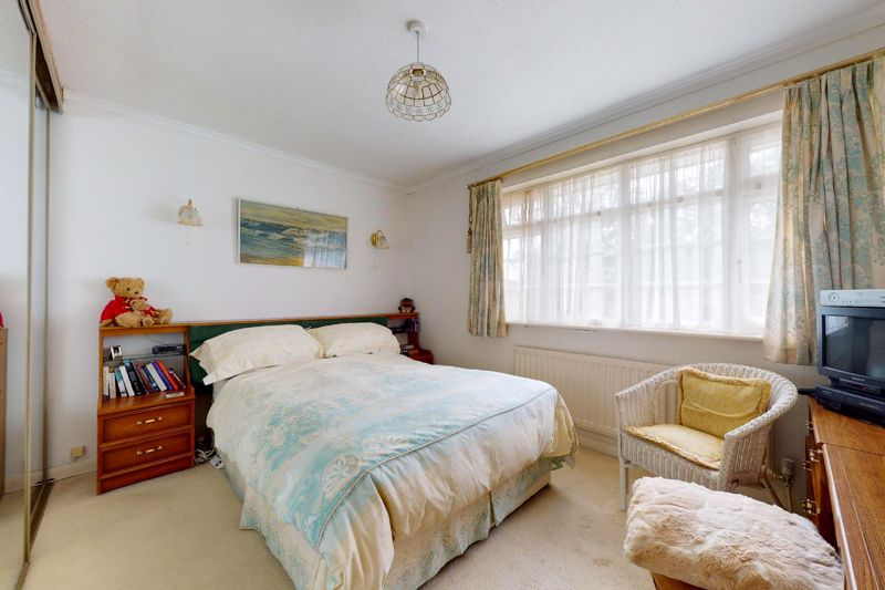 4 bed house for sale in Lincoln Green, Chichester  - Property Image 7