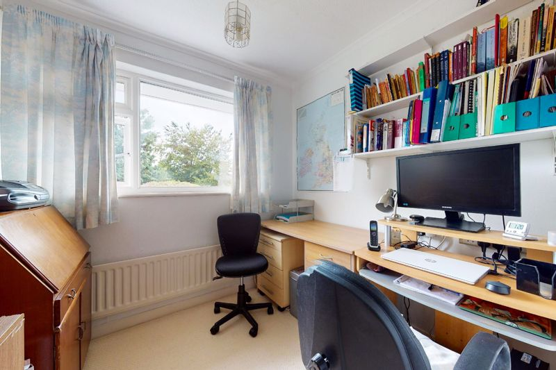 4 bed house for sale in Lincoln Green, Chichester  - Property Image 13