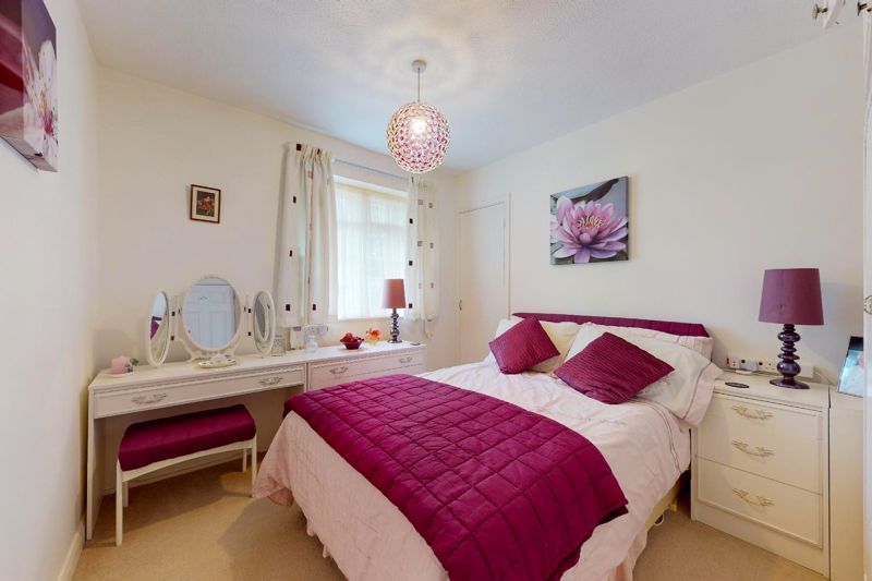4 bed house for sale in Lincoln Green, Chichester 8
