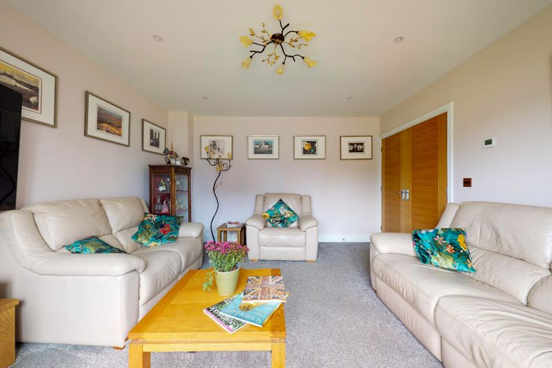 4 bed house for sale in North Bersted Street, Bognor Regis  - Property Image 2