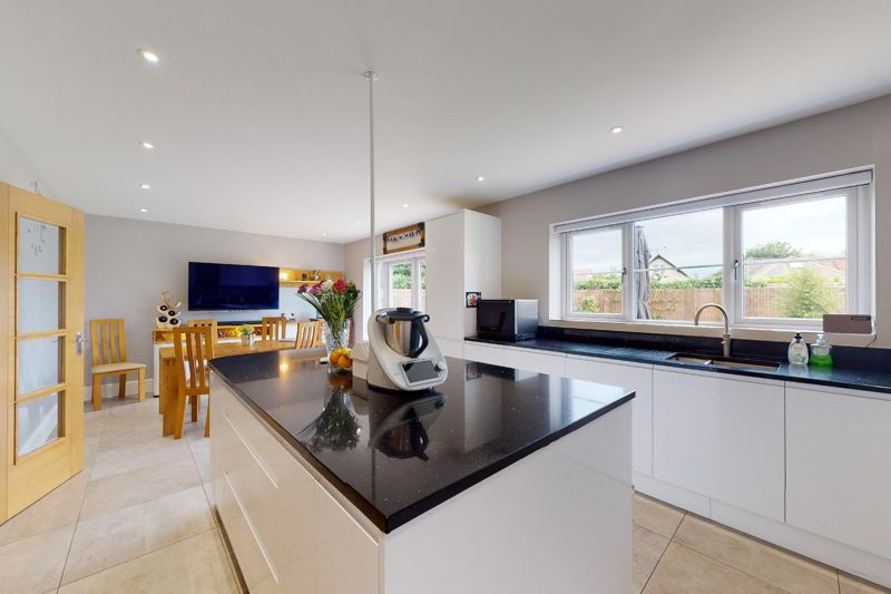4 bed house for sale in North Bersted Street, Bognor Regis  - Property Image 3