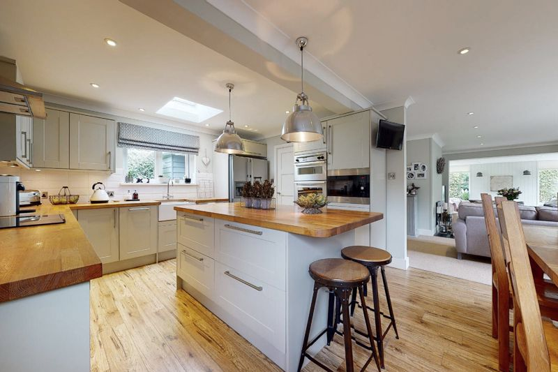 4 bed house for sale in Fordwater Road, Chichester 4
