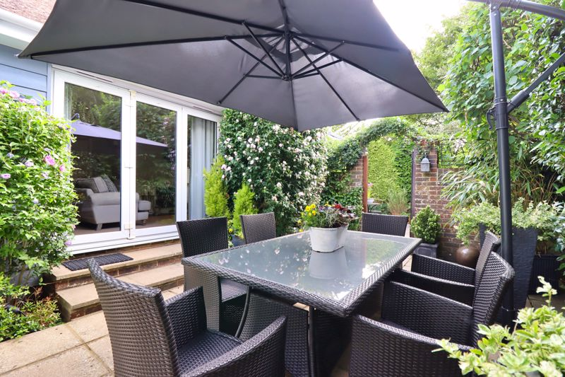 4 bed house for sale in Fordwater Road, Chichester 2