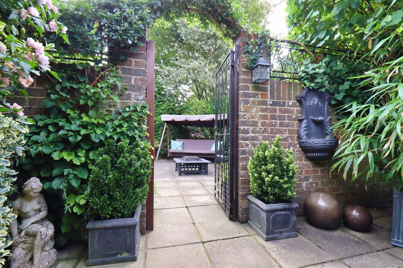 4 bed house for sale in Fordwater Road, Chichester 35