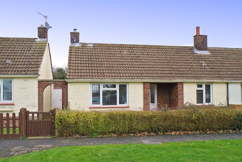 2 bed bungalow for sale in Durnford Close, Chichester  - Property Image 1