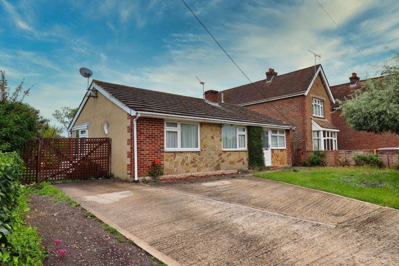 4 bed bungalow for sale in Oving Road, Chichester - Property Image 1