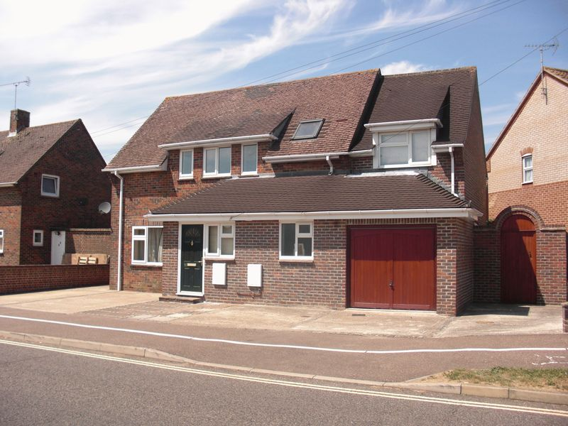 STUDENT LET FOR SALE - Swanfield Drive, Chichester, PO19