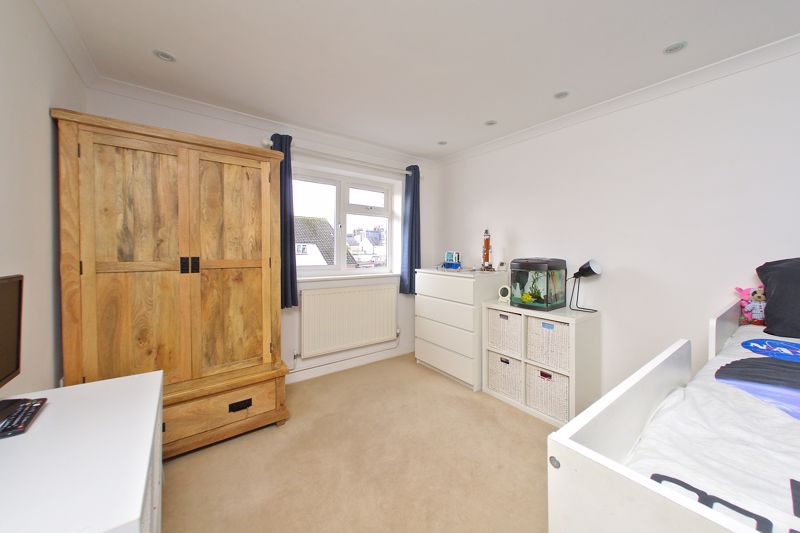 2 bed flat for sale in Littlefield Road, Chichester  - Property Image 5