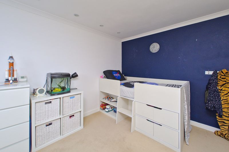 2 bed flat for sale in Littlefield Road, Chichester  - Property Image 8