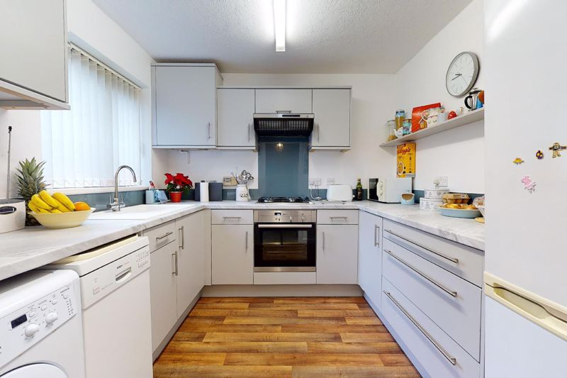 3 bed house for sale in Salthill Road, Chichester  - Property Image 2