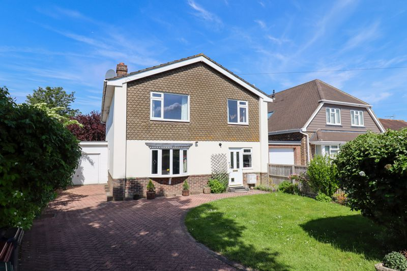4 bed house for sale in Newport Drive, Chichester  - Property Image 1