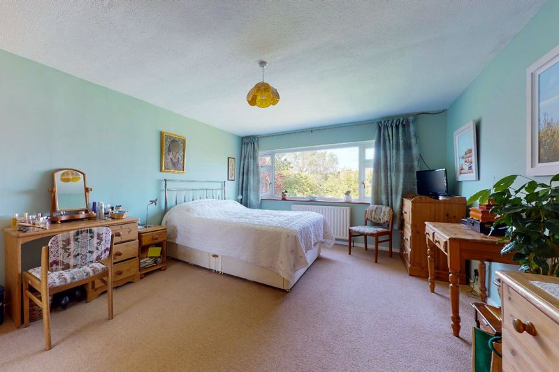4 bed house for sale in Newport Drive, Chichester 5