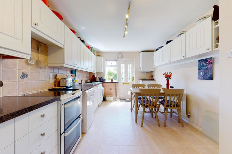 4 bed house for sale in Newport Drive, Chichester  - Property Image 15