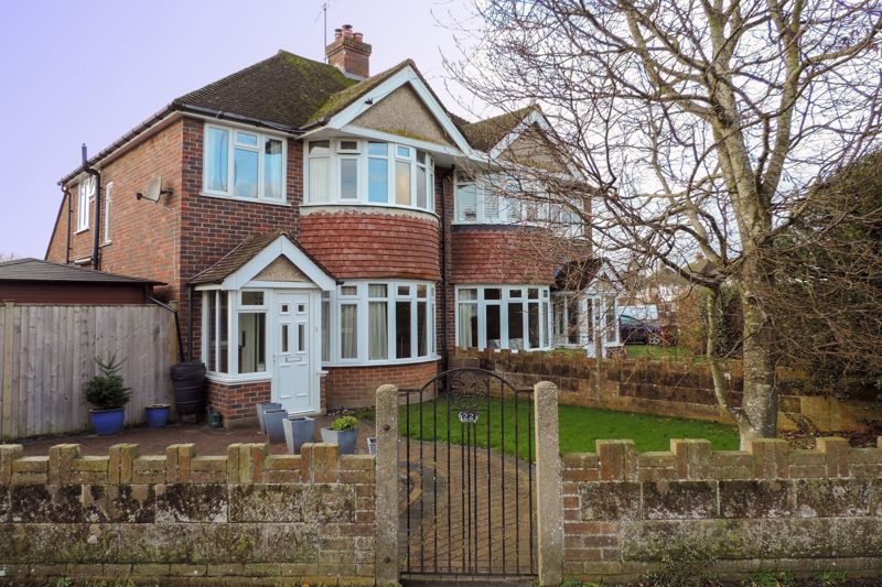 3 bed house for sale in Willowbed Drive, Chichester - Property Image 1