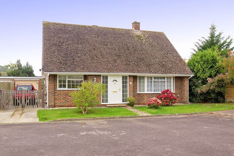 2 bed bungalow for sale in Newhall Close, Bognor Regis - Property Image 1