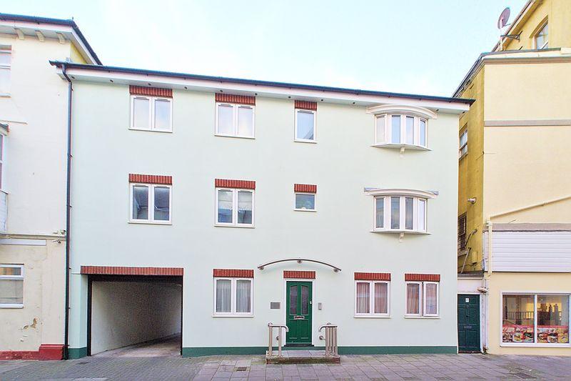 2 bed flat for sale in Lennox Street, Bognor Regis  - Property Image 1