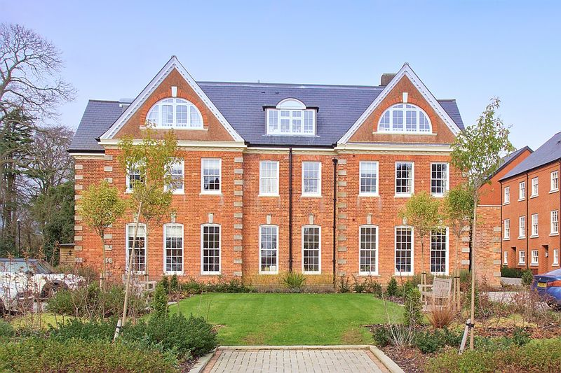 1 bed flat for sale in Penny Acre, Chichester - Property Image 1