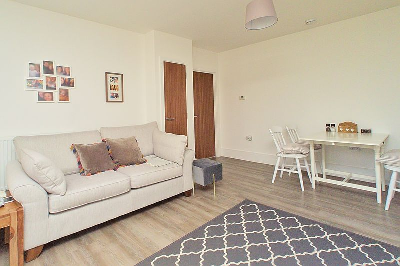 1 bed flat for sale in Penny Acre, Chichester 4