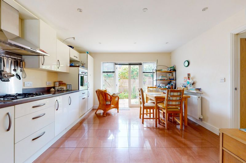 4 bed house for sale in Pears Grove, Emsworth  - Property Image 4