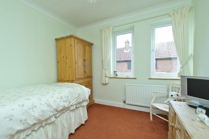3 bed house for sale in Waterside Drive, Chichester 6