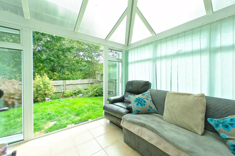 3 bed house for sale in Waterside Drive, Chichester 4
