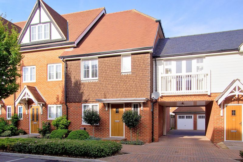 3 bed house for sale in The Boulevard, Bognor Regis - Property Image 1