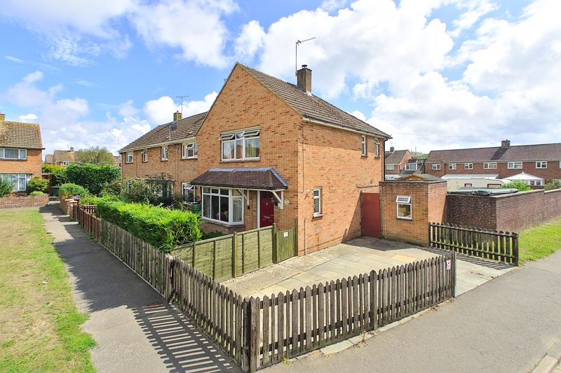 3 bed for sale in John Arundel Road, Chichester - Property Image 1