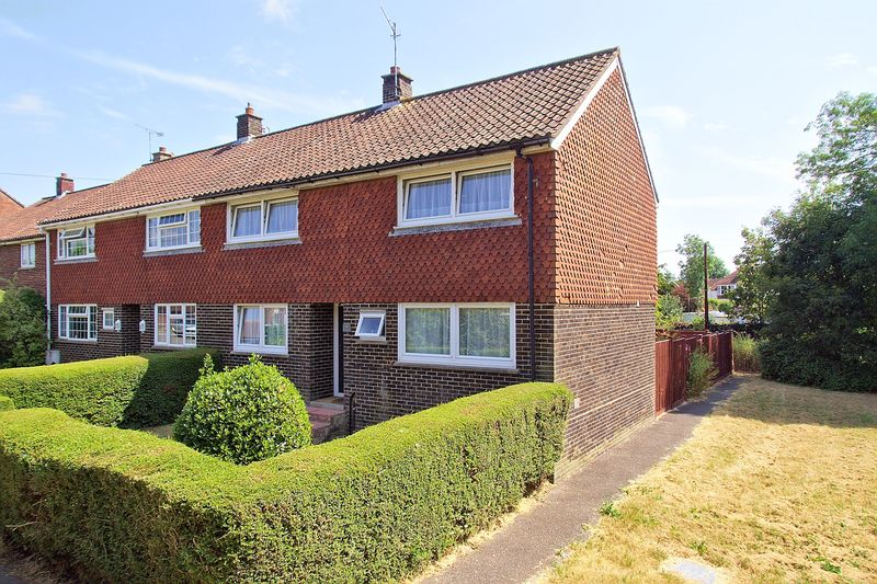3 bed house for sale in Foxes Croft, Bognor Regis  - Property Image 1