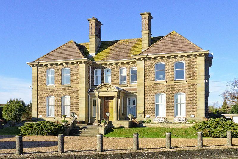 Grange Court, Aldwick, PO21