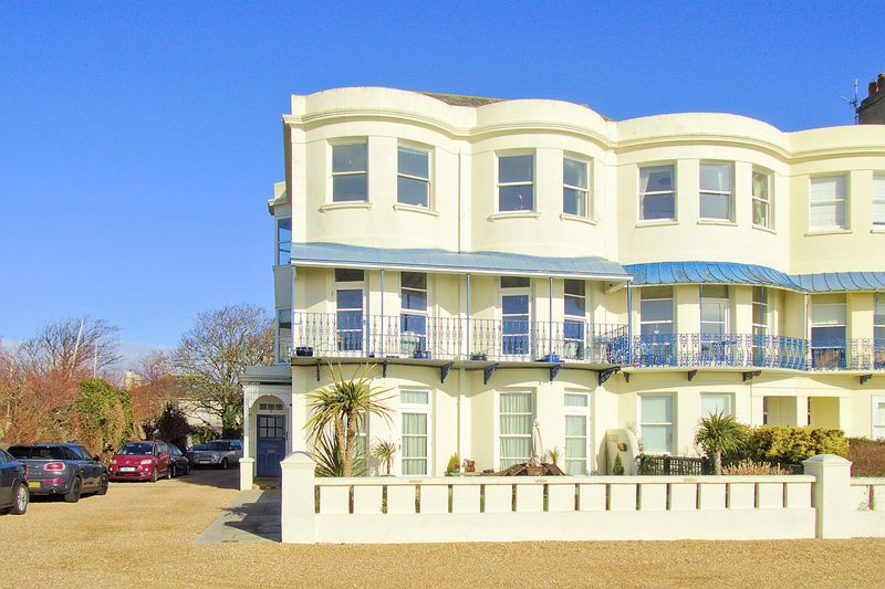 2 bed flat for sale in 5 Marine Parade, Bognor Regis  - Property Image 1