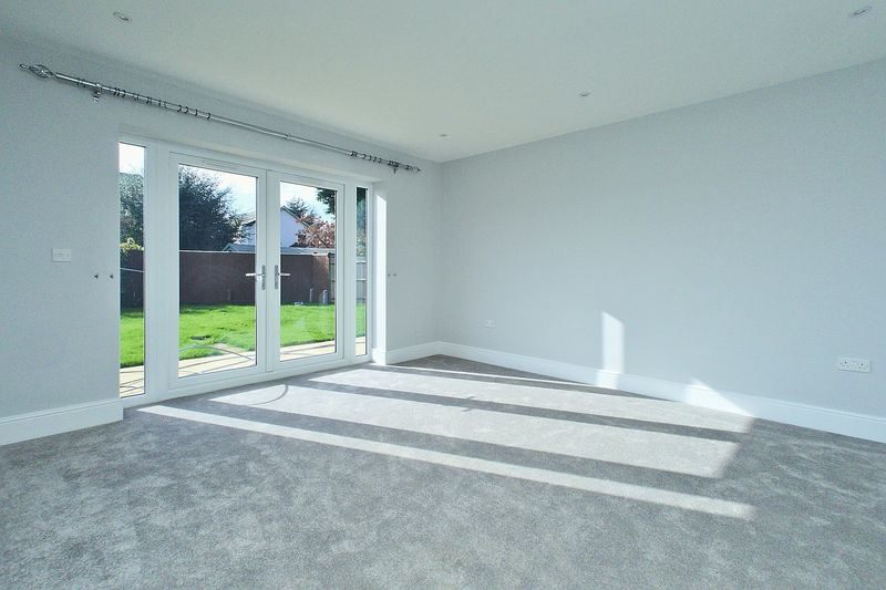 4 bed house for sale in North Bersted Street, Bognor Regis  - Property Image 7