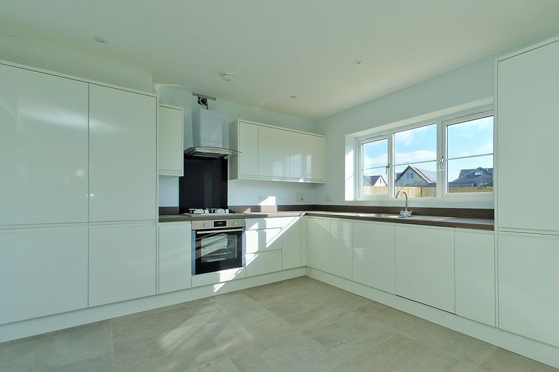 4 bed house for sale in North Bersted Street, Bognor Regis  - Property Image 4