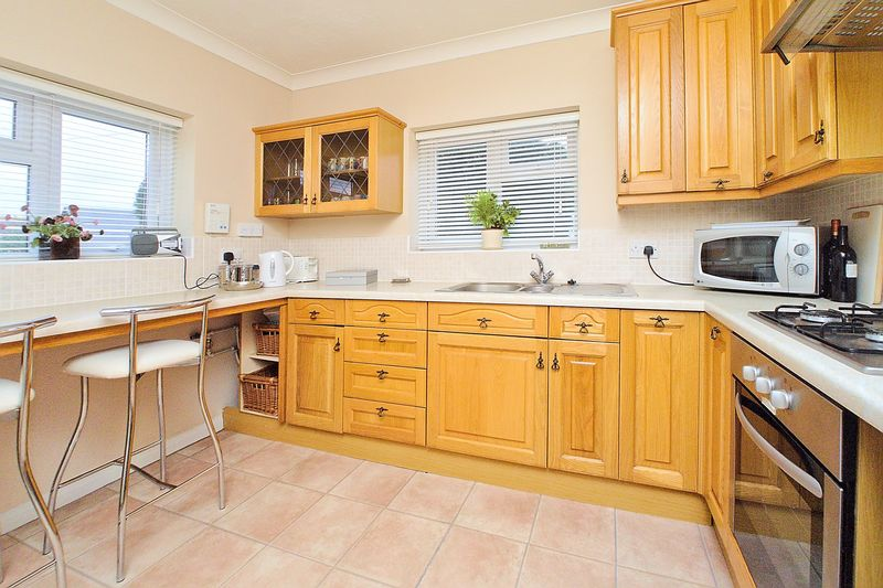 3 bed house for sale in Main Drive, Bognor Regis 2