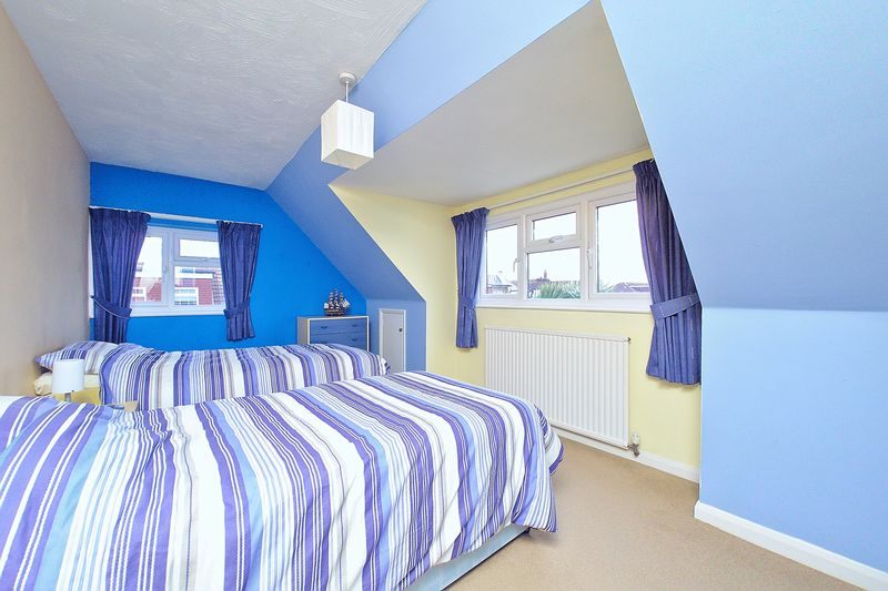 3 bed house for sale in Main Drive, Bognor Regis  - Property Image 6