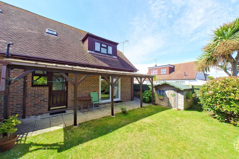 3 bed house for sale in Main Drive, Bognor Regis  - Property Image 5