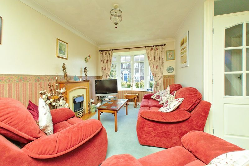 3 bed house for sale in Wakefield Way, Bognor Regis  - Property Image 2