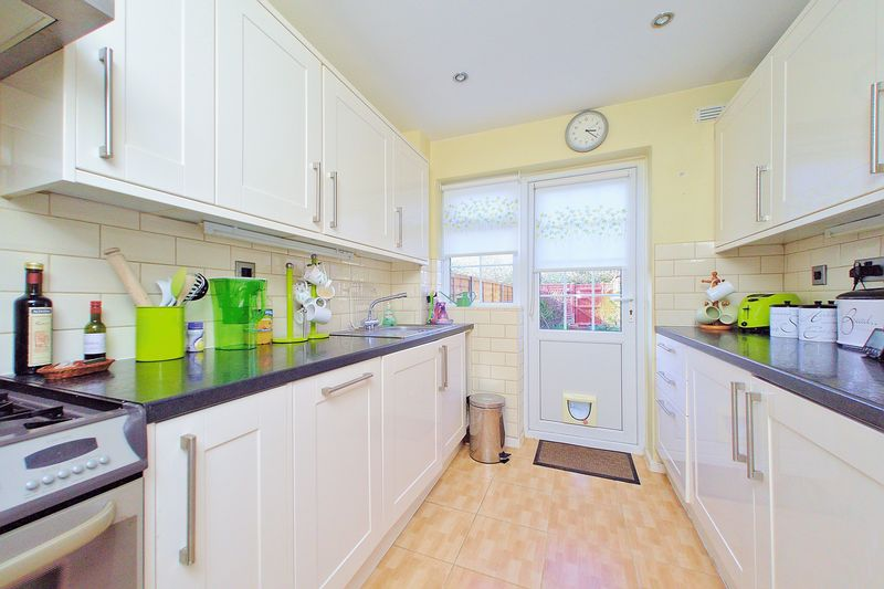 3 bed house for sale in Wakefield Way, Bognor Regis  - Property Image 4