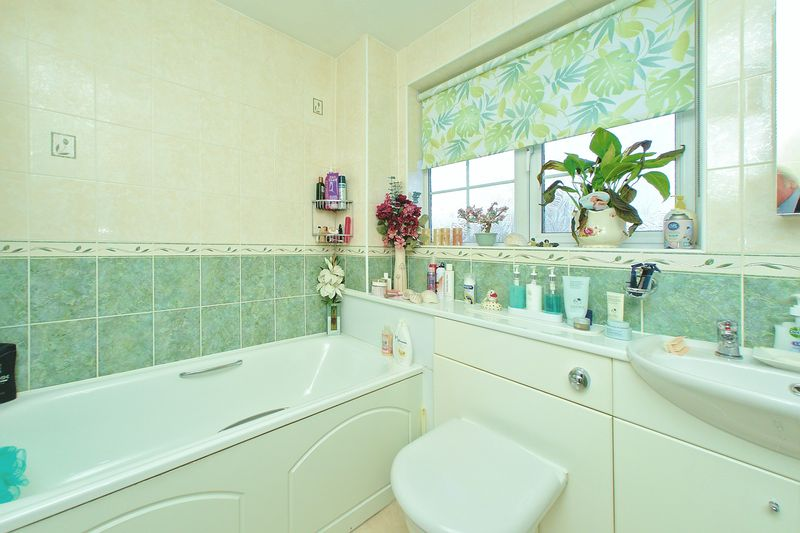 3 bed house for sale in Wakefield Way, Bognor Regis  - Property Image 9