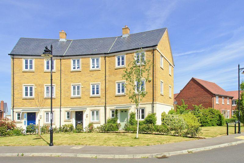 4 bed house for sale in Elbridge Avenue, Bognor Regis - Property Image 1