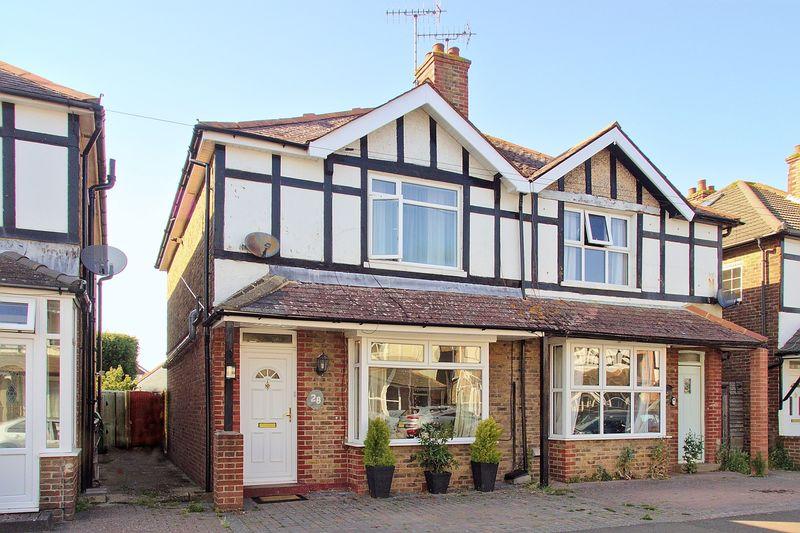 3 bed house for sale in Kenilworth Road, Bognor Regis - Property Image 1