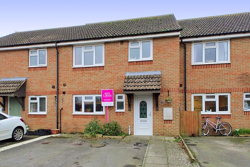3 bed house for sale in Rosemary Close, Bognor Regis - Property Image 1