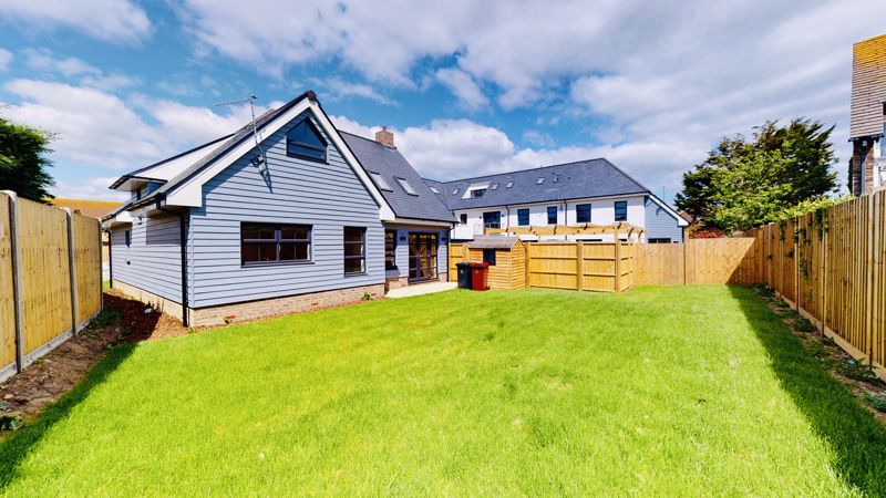 4 bed house for sale in Sandlands Point, Stocks Lane, East Wittering   - Property Image 5
