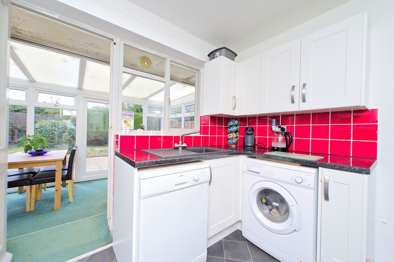2 bed bungalow for sale in Tangmere Gardens, Bognor Regis  - Property Image 7