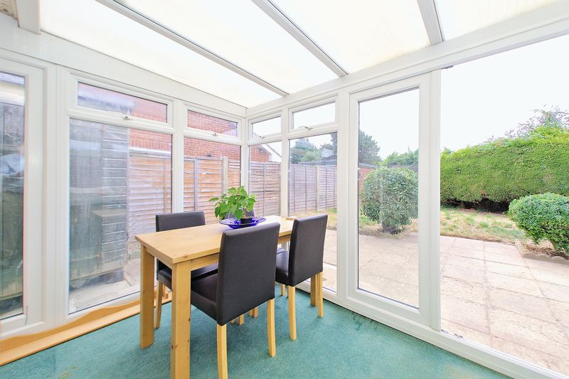2 bed bungalow for sale in Tangmere Gardens, Bognor Regis 5