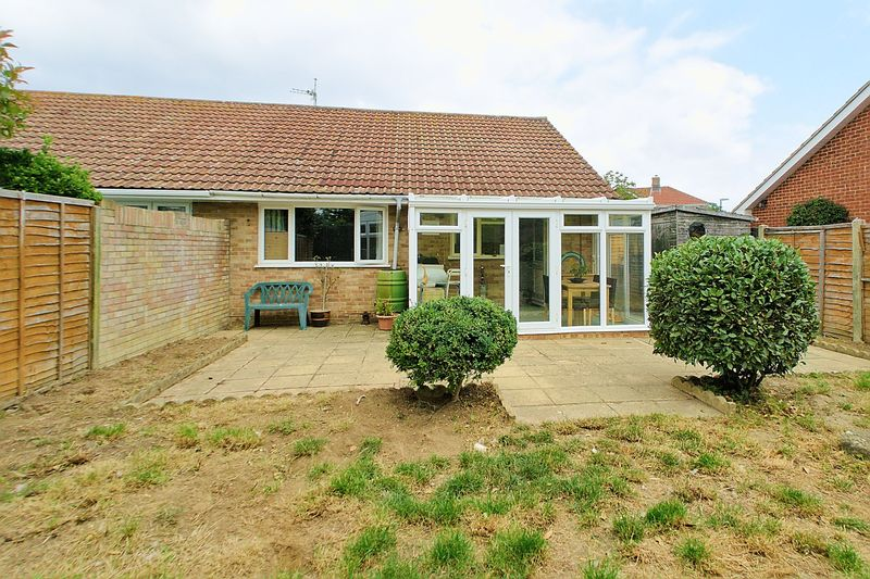 2 bed bungalow for sale in Tangmere Gardens, Bognor Regis  - Property Image 9