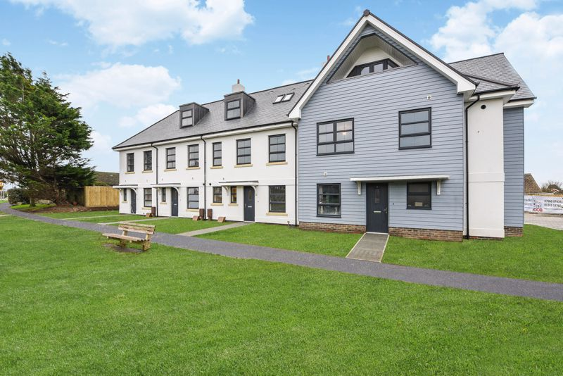 4 bed house for sale in Sandlands Point, Stocks Lane, East Wittering  - Property Image 1