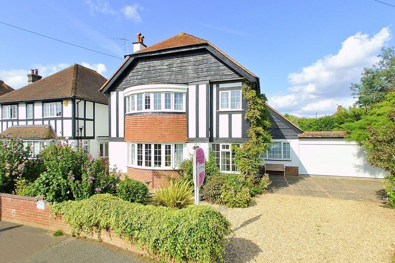 5 bed house for sale in Wessex Avenue, Bognor Regis - Property Image 1
