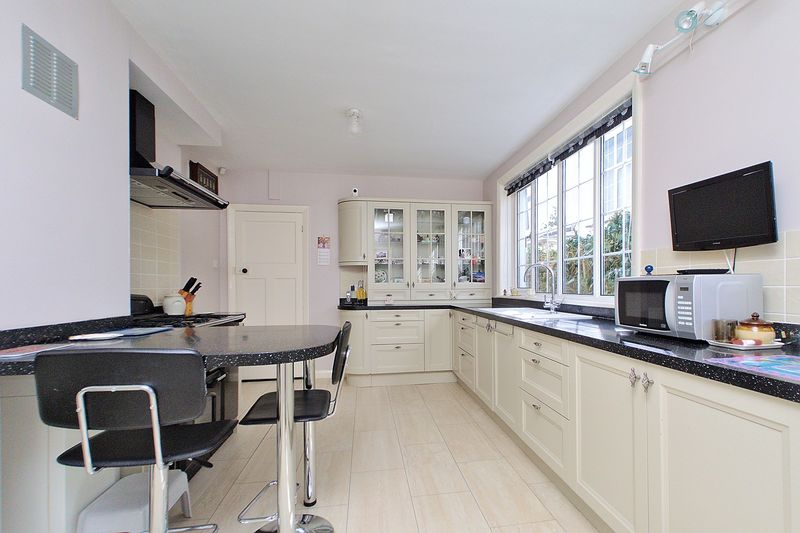 5 bed house for sale in Wessex Avenue, Bognor Regis 1