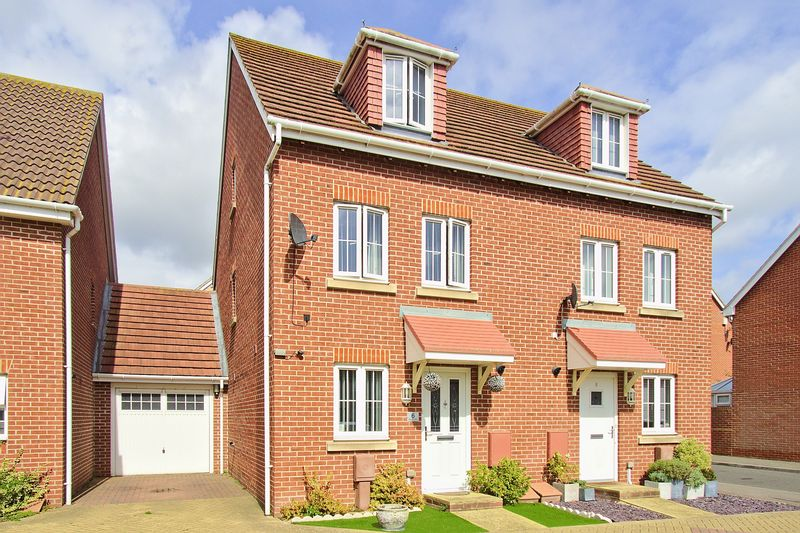 4 bed house for sale in Osborne Way, Bognor Regis - Property Image 1